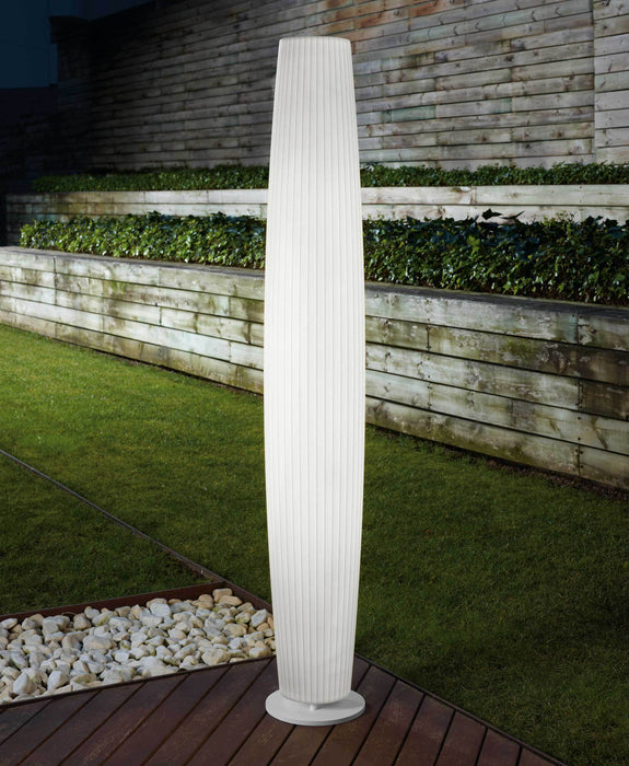 Maxi Outdoor Floor Lamp - Display
