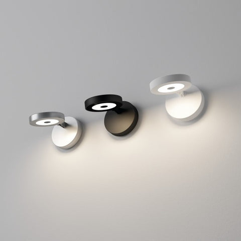 String H0 Wall Light