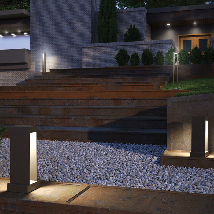 Syntra Bollard Landscape Light - Display