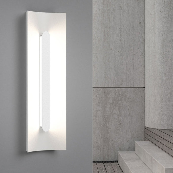 Tairu LED Outdoor Wall Sconce - Display