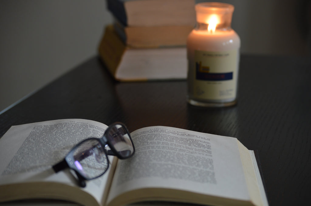 New Bookstores 4.5 oz Apothecary Literary Soy Candle for Readers