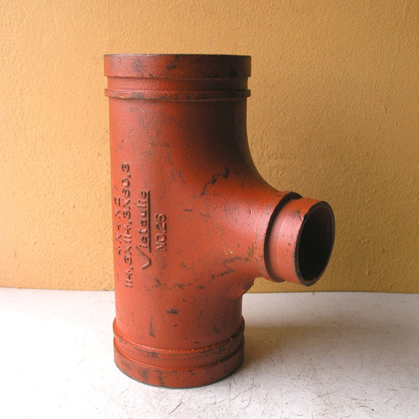 side view of pipe vase