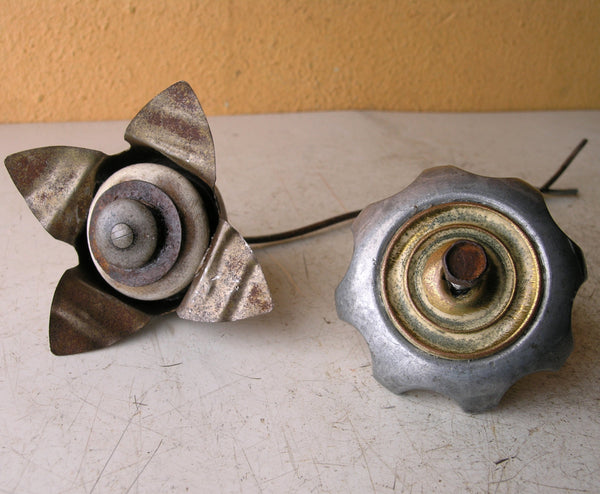 upcycled metal flowers for wall pocket