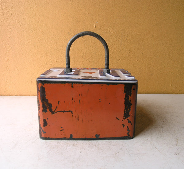 Industrial orange box w/ lid - PaulaArt