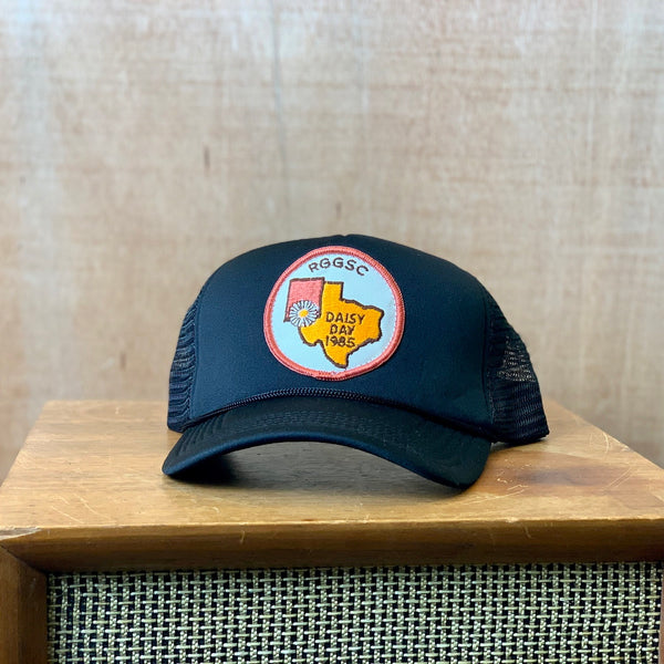 Vintage 1985 Daisy Day Patch trucker