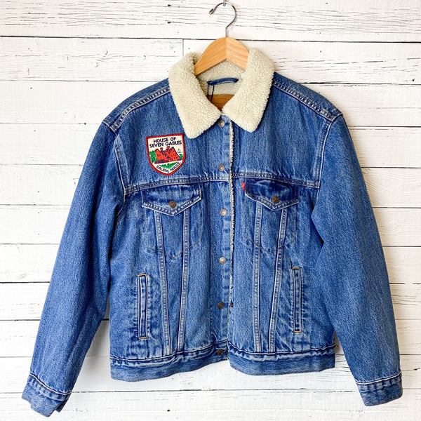 Levi's Women's Sherpa Trucker: Vintage Patch