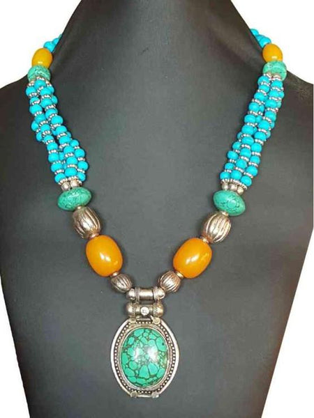 Green necklace with stones and pendant - PurpleTulsi.com