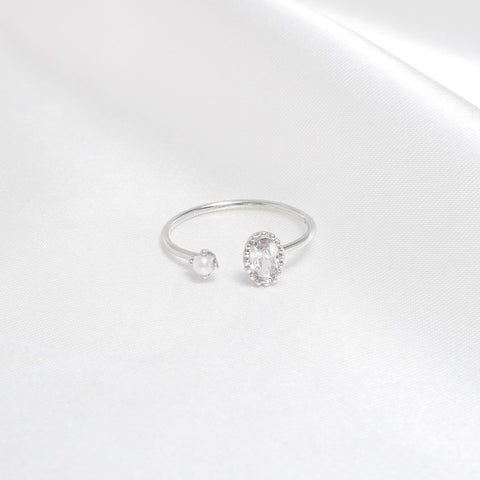Lynda Crystal Ring [Worker Holic]
