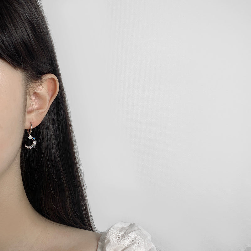 Crescent Mood  Clip Earrings [Two-two]