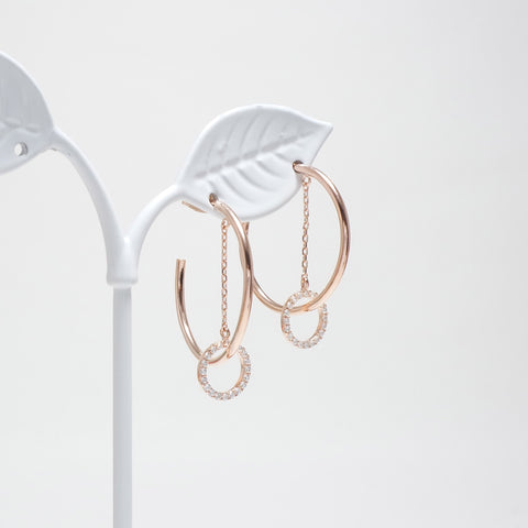 Round Hook Swing Earrings [Touch Your Heart]
