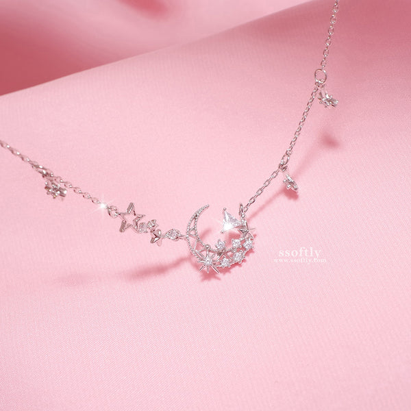 Crescent's Shadow Necklace [My Jeju]