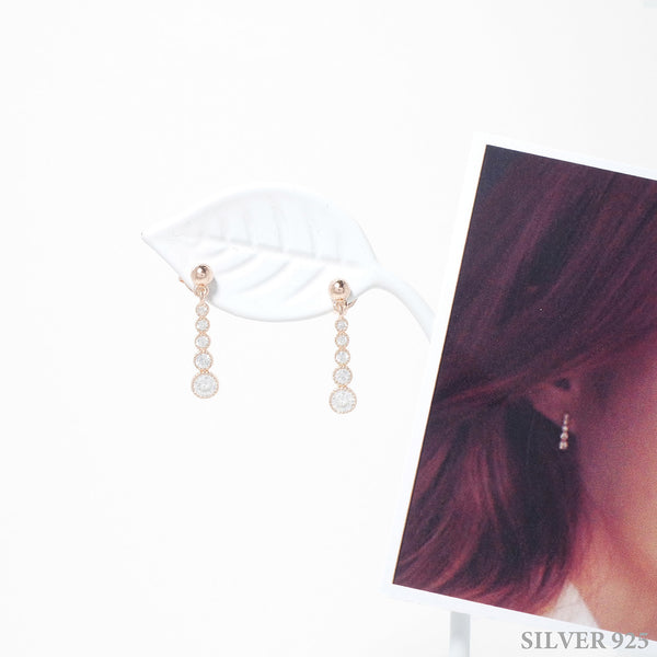 Raina memorial Earrings [The World Of Marriage]