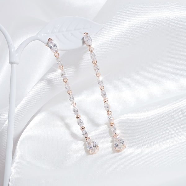Love Serenade In Heart Earrings [CLOY Collection]