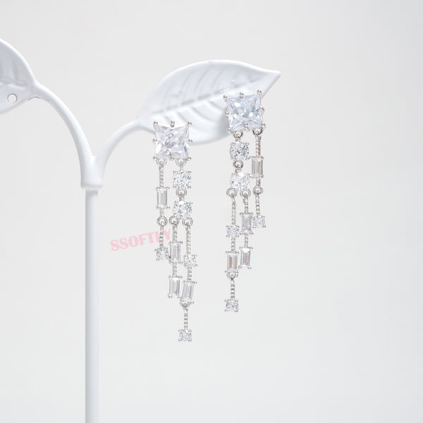 Shine Rain Stone Earrings [Touch Your Heart]