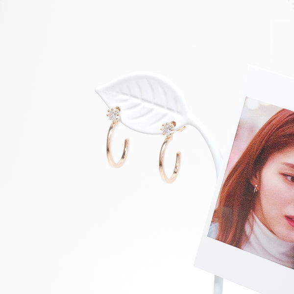 Alexis Simple Round Earrings [The World Of Marriage]