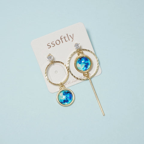 The Blue Moon Earrings (Glow-In-The-Dark) [Fly me to the moon]