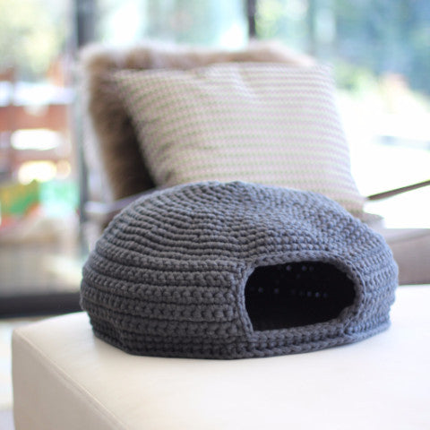 Benji + Moon | Crochet Cat Den / House