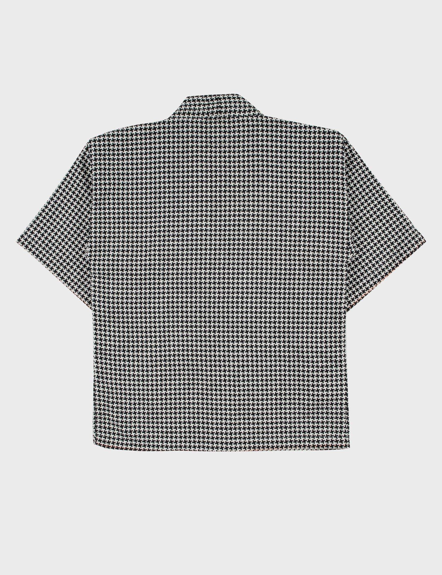 products/tth_2021_outerwear-noragi-houndstooth_02.jpg