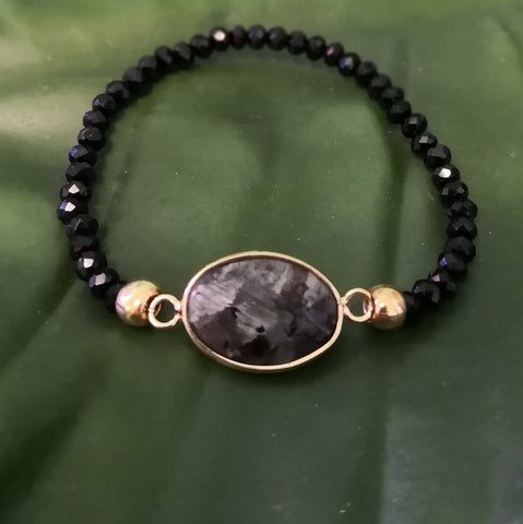 Black Labradorite Stone on stretch crystal bead bracelet