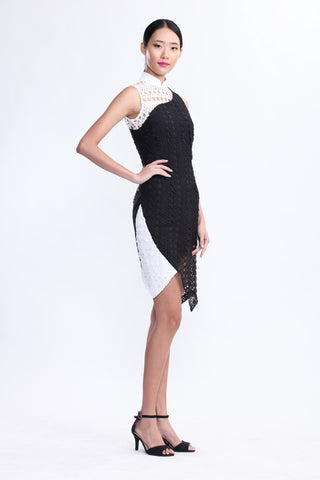 Black and White Lace Contrast Sleeveless Qipao