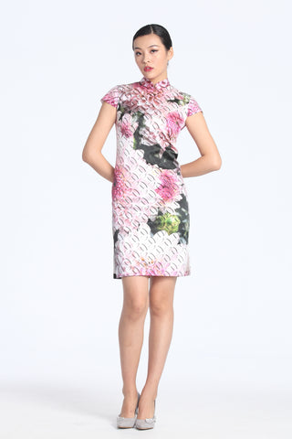 Soft Pink Chrysanthemum Digital Print Cap Sleeves Silk Qipao