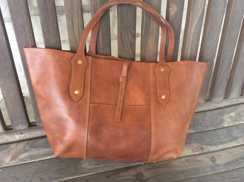 The perfect leather bag! Gorgeous, hand oil rubbed leather purse