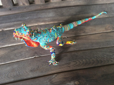 Gorgeous Handbeaded iguana. Perfect colors for southwestern decor.