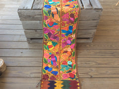 Brilliant colors make for a beautiful table runner!