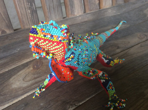Gorgeous Handbeaded iguana. Perfect colors for southwestern decor