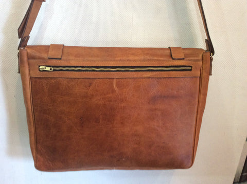 Gorgeous, top grain leather, oil rubbed by hand..UNISEX briefcase