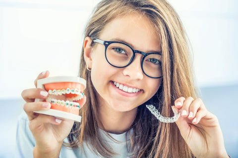 Invisalign Teen offers a new treatment method that can help teens straighten teeth with clear aligners
