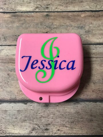 TheSweetestPieces is an online Etsy store that will make a personalized retainer case for your clear aligners
