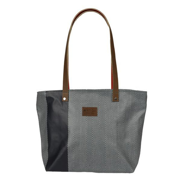 Ana handbag in wipeable oil cloth with both style and funtion in mind made in france by Artiga-chevron Bleu Canard