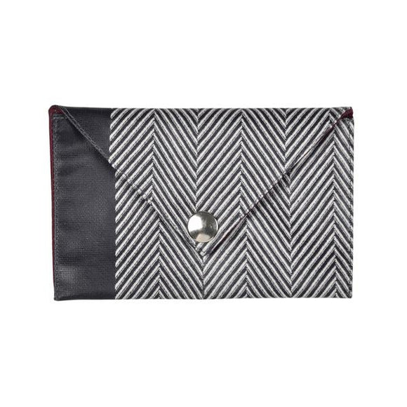card holder in oil cloth, made in Francem Artiga-Chevron Aubergine