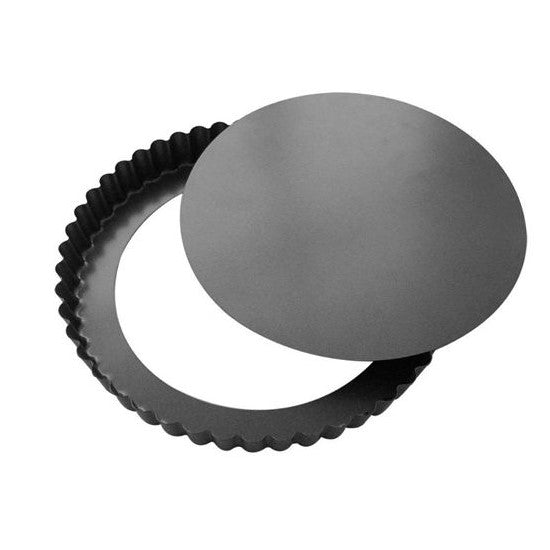 Fluted pie mold with removable bottom