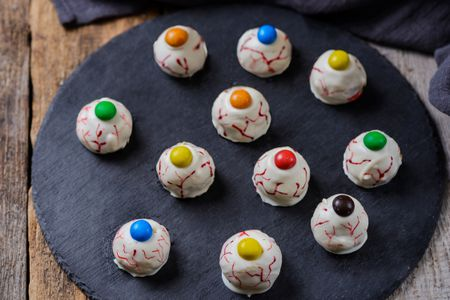 Halloween Eyeballs Party Favor