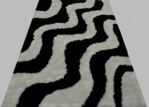 Black and White Wavy Design Rug