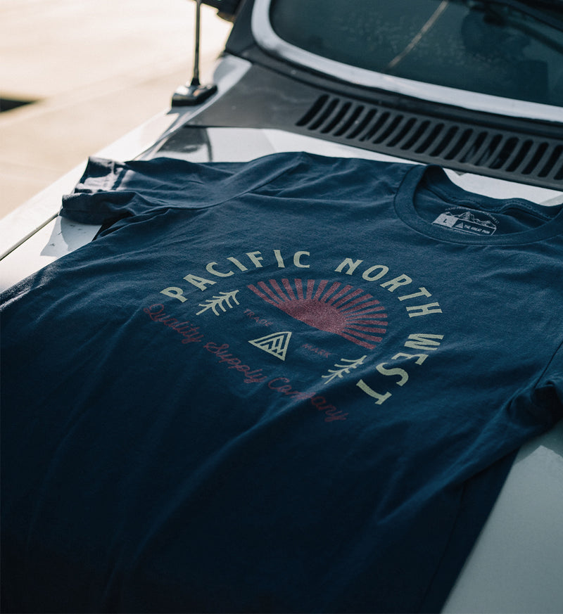 Sunrise Tee - Navy - The Great PNW