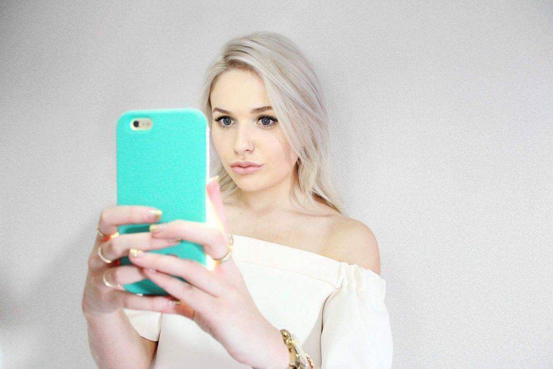 Want perfect selfies every time? Shop Selfie Light phone cases today