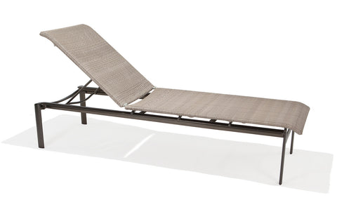 ARMLESS STACK CHAISE