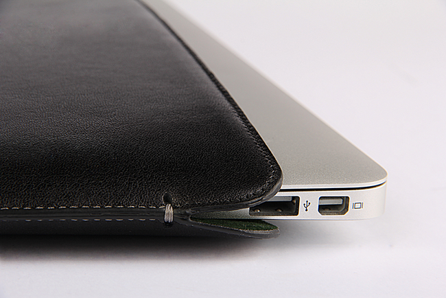 MacBook Air Nero Black Premium Leather Sleeve - VORYA
