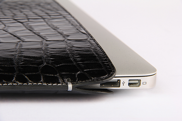MacBook Air Black Croco Premium Leather Sleeve - VORYA