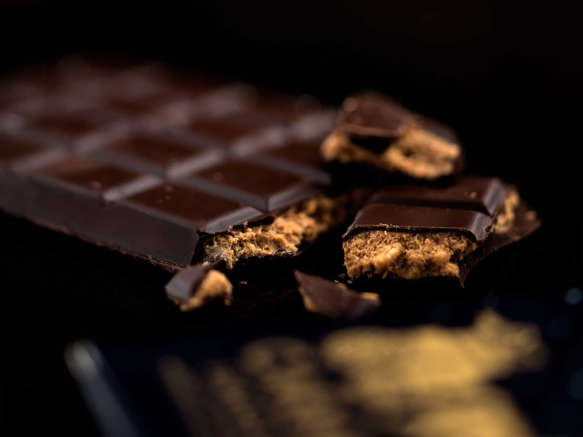 Dark Bar with Praline Crunch