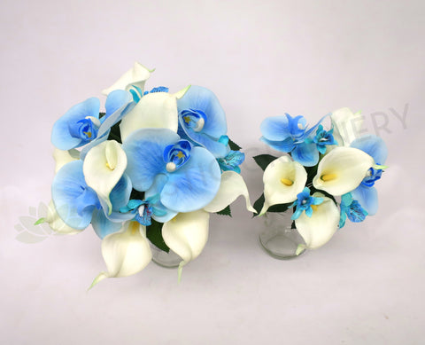 Round Bouquet - Blue & White - Deanne F