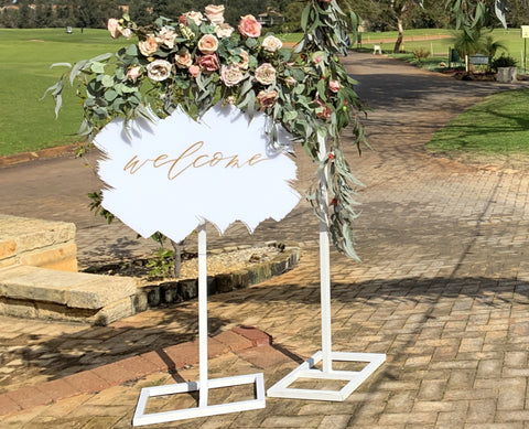 For Hire - Welcome Sign with Rustic Flower Swag (Code: HI0019)