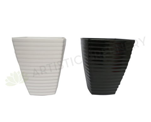 Plastic Pot Tapered - Black / White