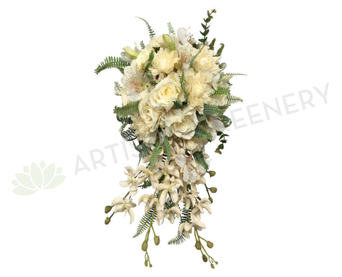 Teardrop Bouquet - Cream - Rachel D