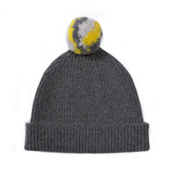 GREY BOBBLE HAT WITH POM POM