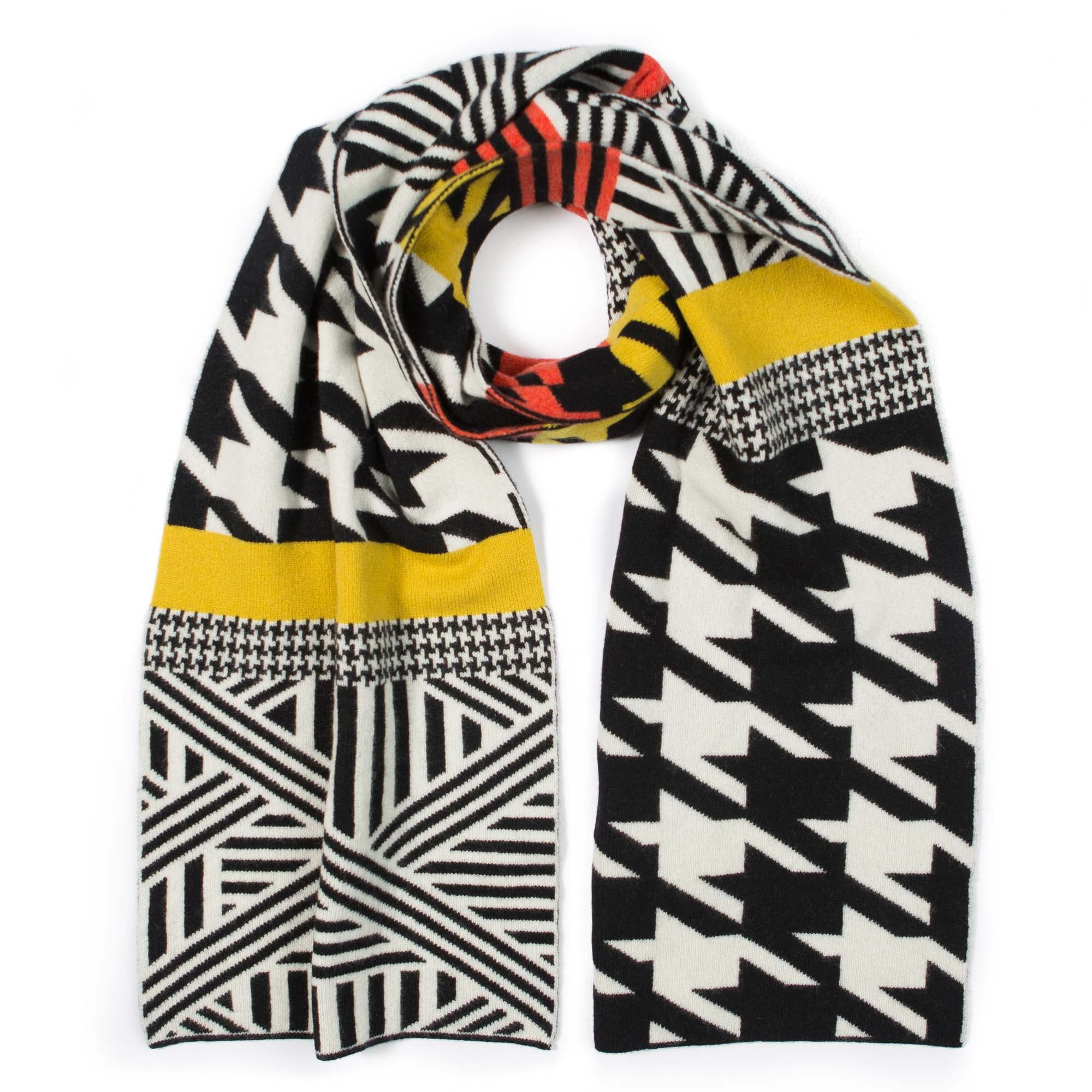 HOUNDSTOOTH BLANKET SCARF BLACK & WHITE - GREEN THOMAS