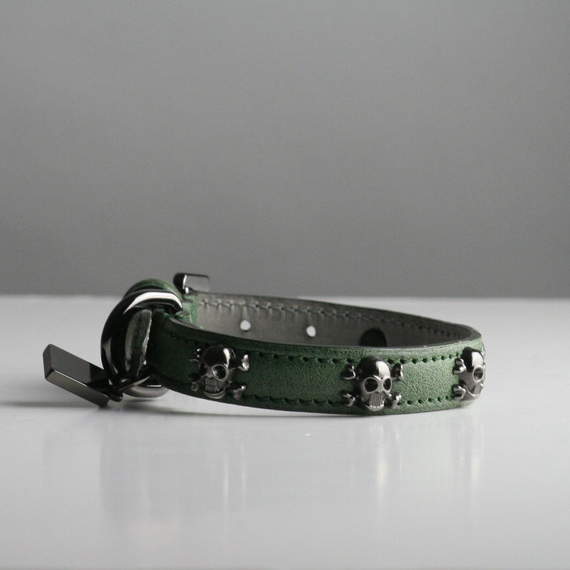 Gregory Dog Collar - Forest Skull and Crossbones